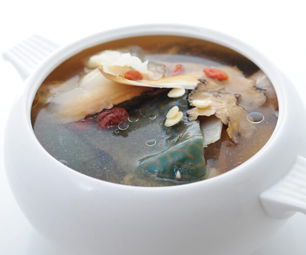 Double-boiled Deep Sea Napoleon Wrasse Head Bone Soup with Chinese Herbs